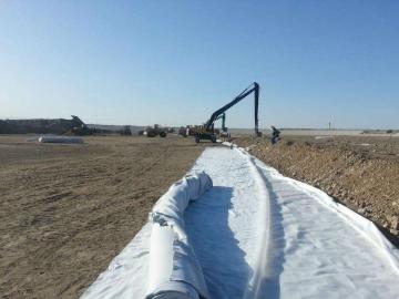 人工湖防渗土工膜用什么规格的,复合土工膜价格