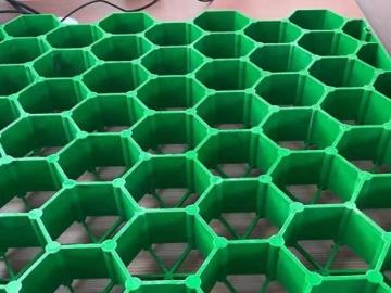 消防车道的植草格基层处理,塑料植草格使停车与绿化功能合二为一