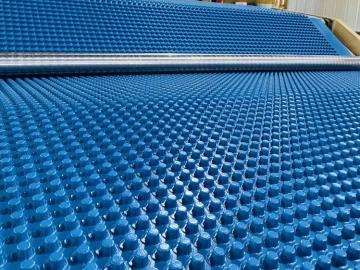 塑料凹凸型排水板的耐根穿刺作用?