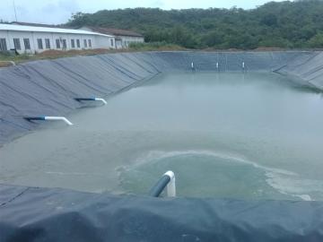 水产养殖防渗用土工膜上要填土吗?