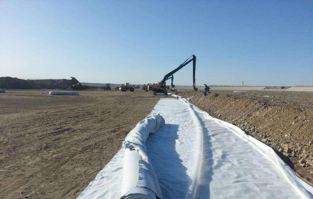 复合土工膜铺设过程中有那些注意事项