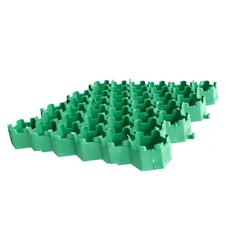 停车绿化两不误塑料植草格引领绿化新方向